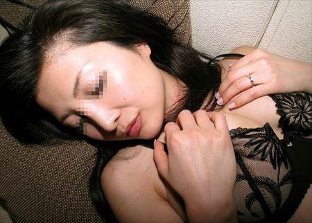色っぽい奥さんがHになってるハメ撮り[25枚] | 日刊:熟女と人妻エロス | エロ画像,主婦人妻,ハメ撮り