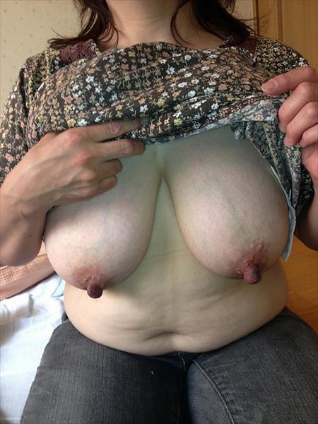 40代のけしからんオッパイのおばさん熟女のプルプルおっぱい画像から目が離せない[15枚] | 日刊:熟女と人妻エロス | エロ画像,おっぱい,巨乳,おっぱい,巨乳,垂れ乳,アラフォー,30代,40代,熟女,熟女