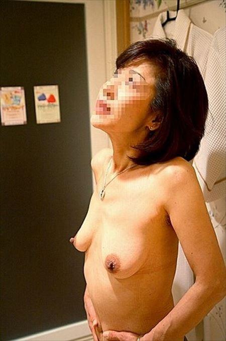 昭和世代のよくいる普通のオバサン熟女がHになってる画像が最高にアツい[15枚] | おっぱい画像とエロメガネ | エロ画像,アラフォー,30代,40代,熟女,熟女,素人