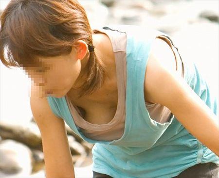 素人若奥さんが胸チラしてる画像が即ヌキ確実ww[15枚] | 日刊:熟女と人妻エロス | エロ画像,素人,主婦人妻,チラリズム,胸チラ