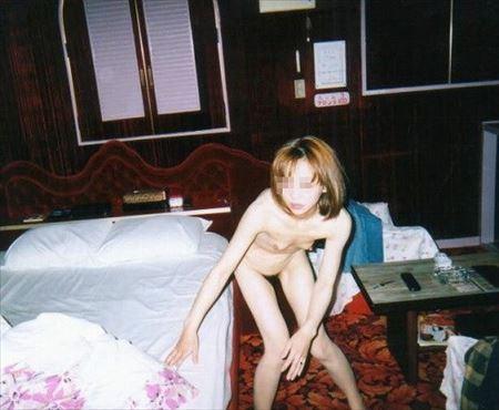 30代後半のオバサン熟女がモロ露出してる画像、一見の価値あり[25枚] | おっぱい画像とエロメガネ | エロ画像,アラフォー,30代,40代,熟女,熟女,素人,エロ撮影,露出プレイ
