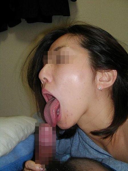 まだ若い人妻がチンコしゃぶる画像から目が離せない[15枚] | おっぱい画像とエロメガネ | エロ画像,20代,主婦人妻,フェラチオ