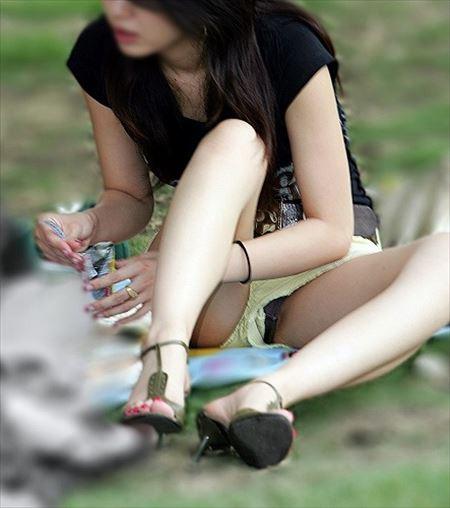 20代なかばの若奥さんがパンチラしちゃった画像まとめ[15枚] | 日刊:熟女と人妻エロス | エロ画像,20代,主婦人妻,チラリズム,パンチラ
