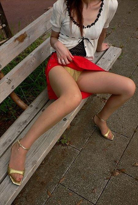 団地妻が屋外でナマ露出してる画像をご覧ください[24枚] | 日刊:熟女と人妻エロス | エロ画像,主婦人妻,野外露出,素人,エロ撮影,露出プレイ