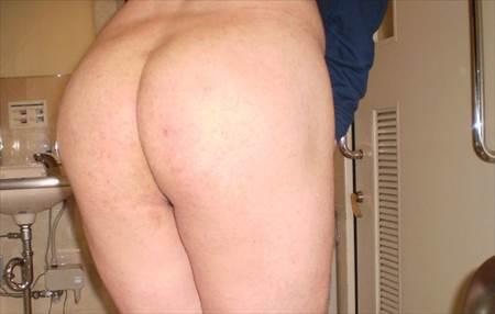 40手前の素人おばさんが汚い尻で卑猥なポーズしてる画像祭はココです[26枚] | Tバック好きのお尻フェチ画像ブログ | エロ画像,お尻,デカ尻,アラフォー,30代,40代,熟女,熟女,素人